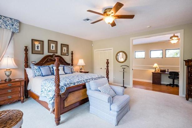 Real Estate Property Photo #21