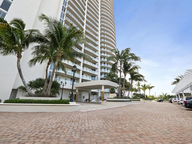 2700 N Ocean Drive #2403b Real Estate Property Photo #2