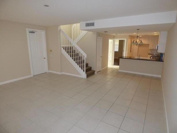137 Rivinia Drive  Real Estate Property Photo #5