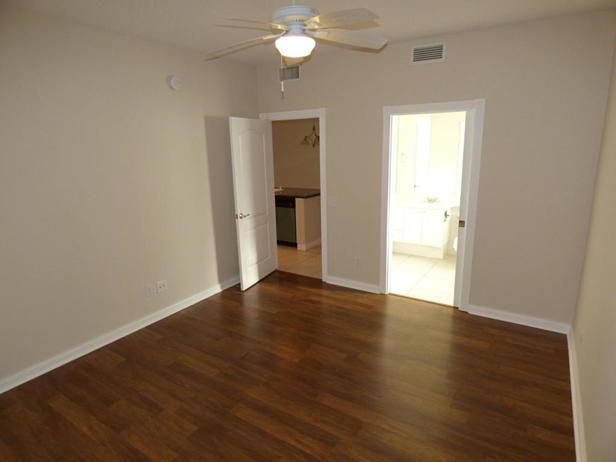 137 Rivinia Drive  Real Estate Property Photo #10