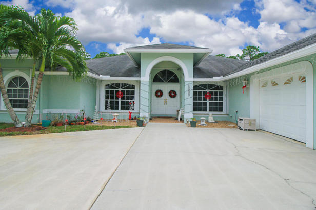 15909 75th Avenue N Real Estate Property Photo #2