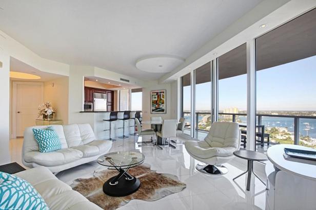 2700 N Ocean Drive #1906b Real Estate Property Photo #1