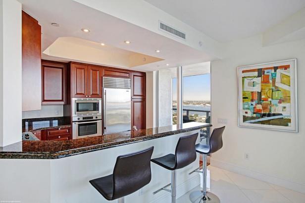 2700 N Ocean Drive #1906b Real Estate Property Photo #6