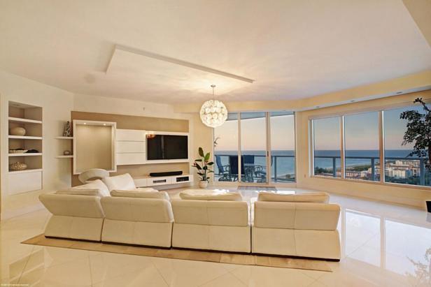2700 N Ocean Drive #1905b Real Estate Property Photo #1