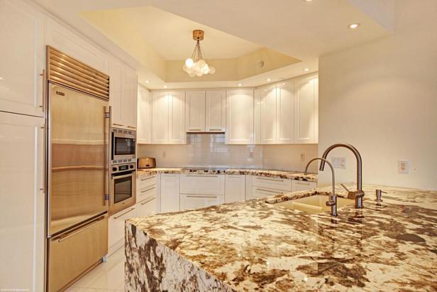 2700 N Ocean Drive #1905b Real Estate Property Photo #8