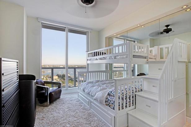 2700 N Ocean Drive #1905b Real Estate Property Photo #10