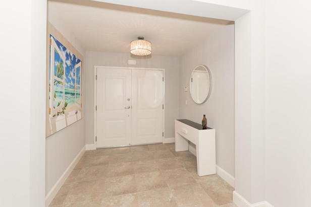 913 Bay Colony Drive S #913 Real Estate Property Photo #2