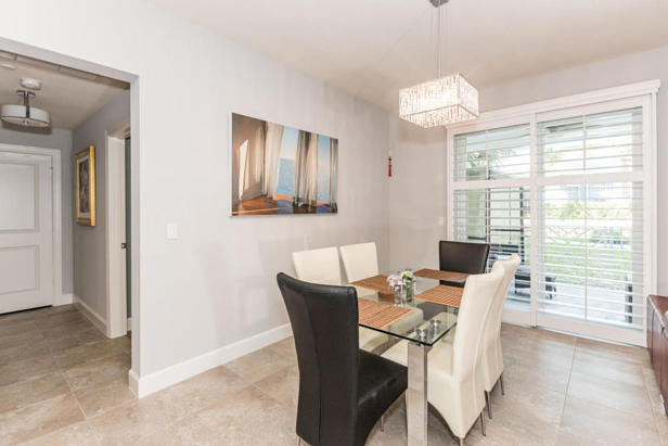 913 Bay Colony Drive S #913 Real Estate Property Photo #3