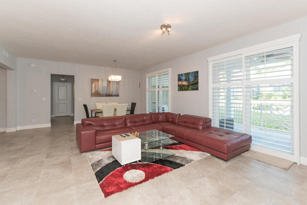 913 Bay Colony Drive S #913 Real Estate Property Photo #4