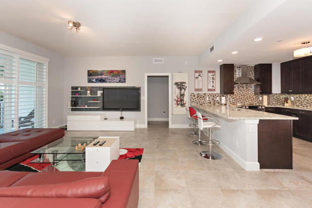 913 Bay Colony Drive S #913 Real Estate Property Photo #6