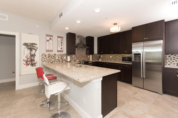 913 Bay Colony Drive S #913 Real Estate Property Photo #8