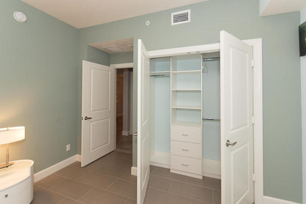 913 Bay Colony Drive S #913 Real Estate Property Photo #21