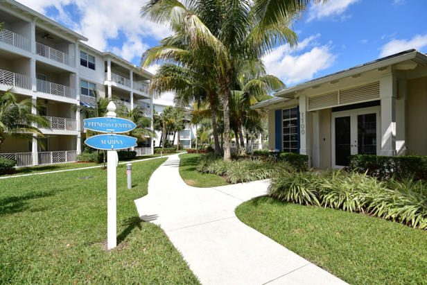 913 Bay Colony Drive S #913 Real Estate Property Photo #25