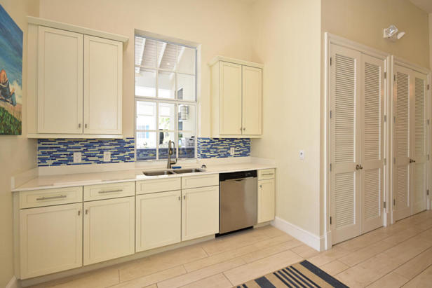 913 Bay Colony Drive S #913 Real Estate Property Photo #37