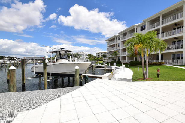 913 Bay Colony Drive S #913 Real Estate Property Photo #46
