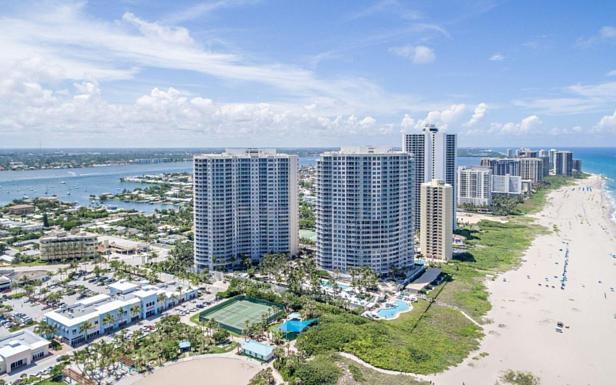 2700 N Ocean Drive #1204b Real Estate Property Photo #36