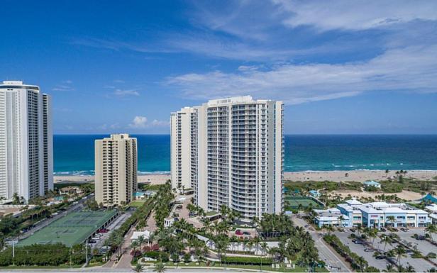 2700 N Ocean Drive #1204b Real Estate Property Photo #37