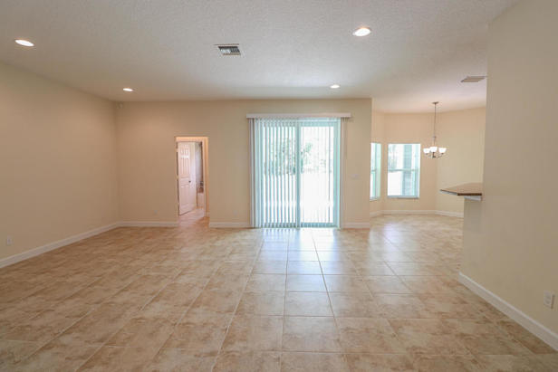 14038 69th Drive N Real Estate Property Photo #6