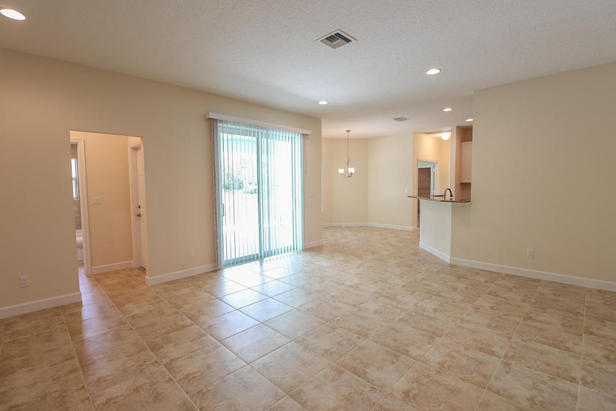 14038 69th Drive N Real Estate Property Photo #7