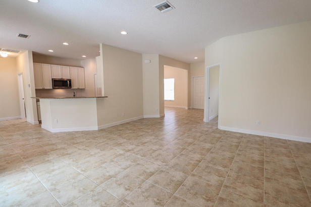 14038 69th Drive N Real Estate Property Photo #8