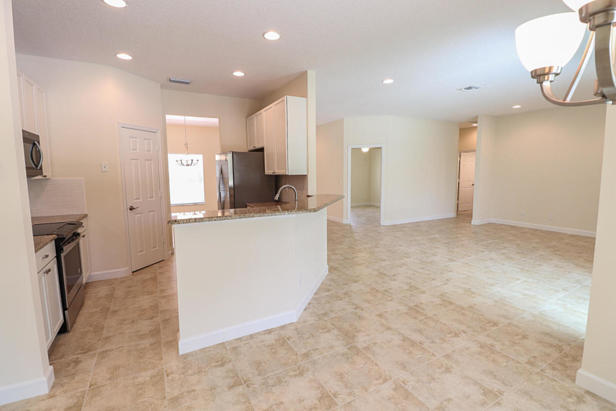 14038 69th Drive N Real Estate Property Photo #9