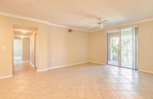 6434 Emerald Dunes Drive #304 Real Estate Property Photo #7