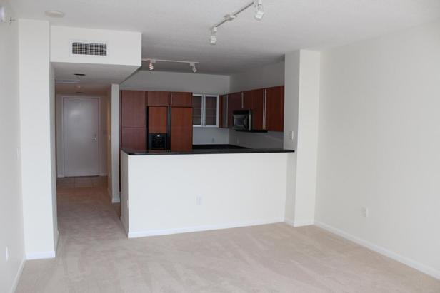 1551 N Flagler Drive #806 Real Estate Property Photo #4