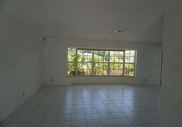 262 Tequesta Circle  Real Estate Property Photo #2