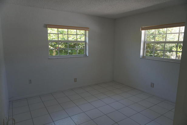 262 Tequesta Circle  Real Estate Property Photo #5