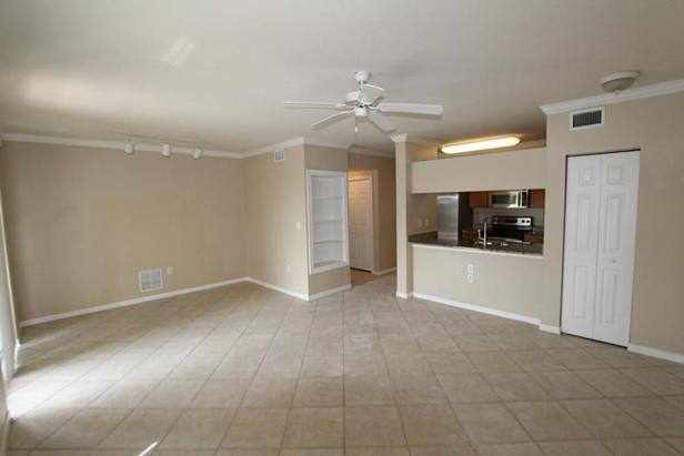 6394 Emerald Dunes Drive #303 Real Estate Property Photo #4