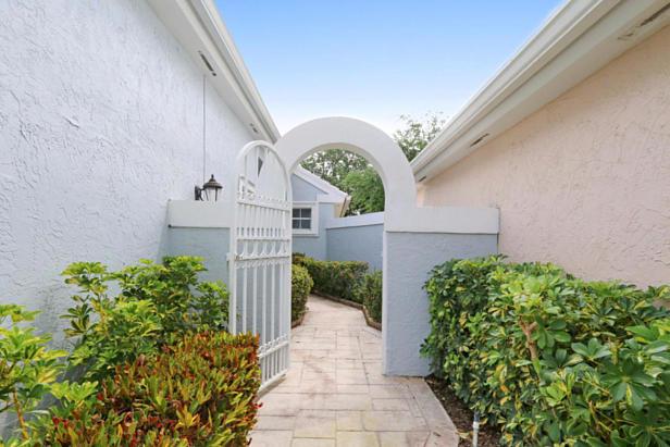 21 Wyndham Lane  Real Estate Property Photo #3
