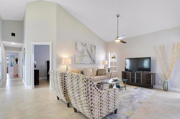 21 Wyndham Lane  Real Estate Property Photo #6