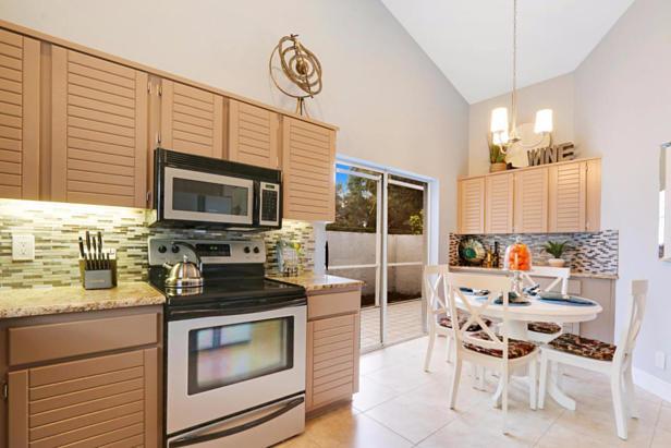 21 Wyndham Lane  Real Estate Property Photo #10