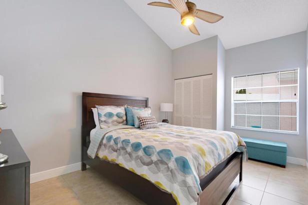 21 Wyndham Lane  Real Estate Property Photo #16
