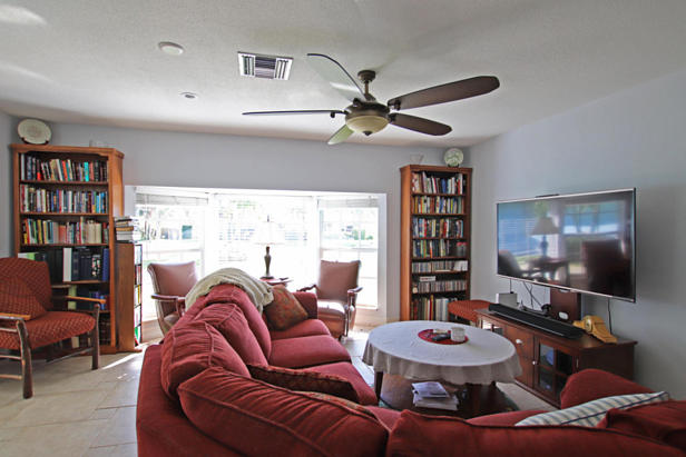 99 Fairview W Real Estate Property Photo #11