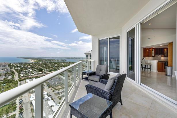 2700 N Ocean Drive #ph-1 B Real Estate Property Photo #3