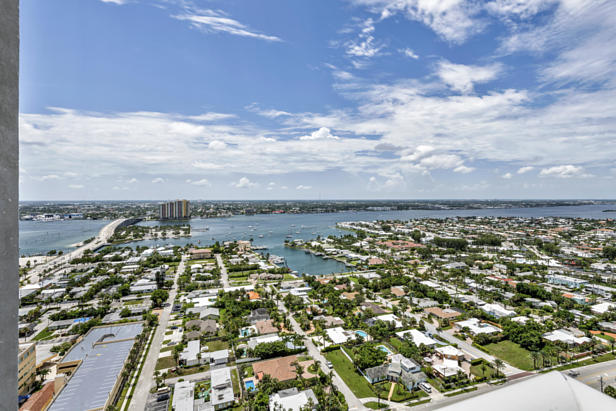 2700 N Ocean Drive #ph-1 B Real Estate Property Photo #15