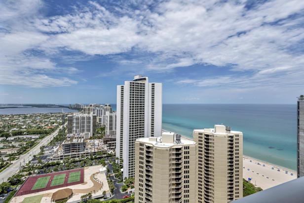 2700 N Ocean Drive #ph-1 B Real Estate Property Photo #39