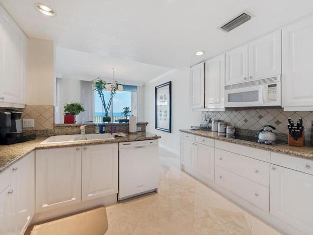 700 Ocean Royale Way #401 Real Estate Property Photo #10