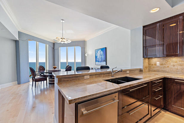 2700 N Ocean Drive #801-a Real Estate Property Photo #6