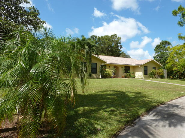 15171 74th Avenue N Real Estate Property Photo #2
