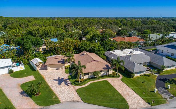 348 River Drive  Real Estate Property Photo #8