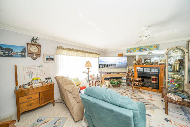 100 River Drive  Real Estate Property Photo #3