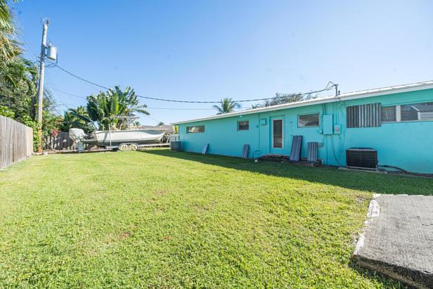 100 River Drive  Real Estate Property Photo #32