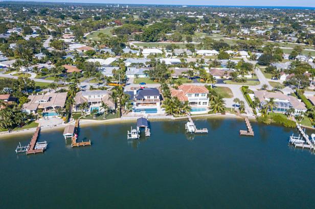 100 River Drive  Real Estate Property Photo #38