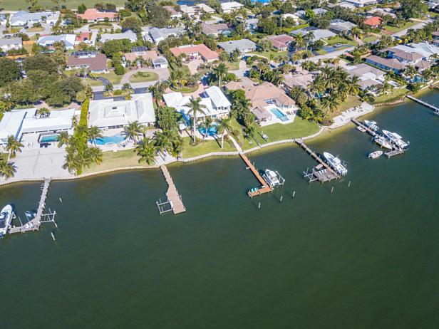 100 River Drive  Real Estate Property Photo #39