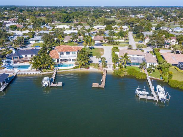 100 River Drive  Real Estate Property Photo #43