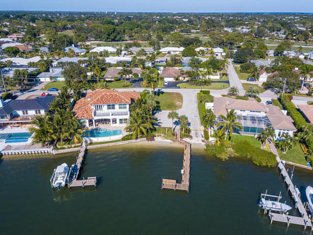100 River Drive  Real Estate Property Photo #44