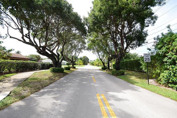 100 River Drive  Real Estate Property Photo #52