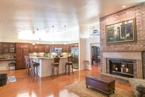 15215 N 80th Drive N Real Estate Property Photo #3